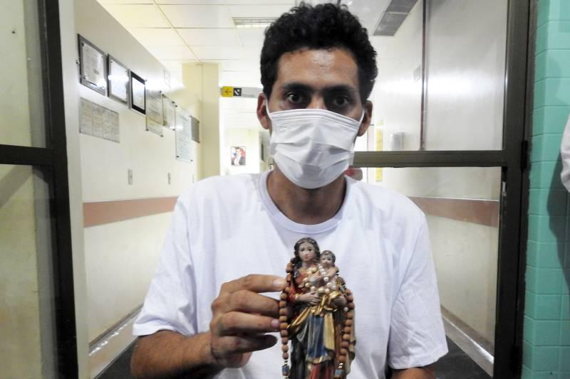 Ao receber alta do HRPT, Arlindo Lima agradeceu a Deus e à equipe de profissionais do Hospital Regional