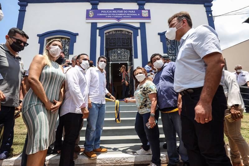 A nova sede da companhia da PM em Igarapé-Açu foi entregue pelo governador Helder Barbalho e outras autoridades