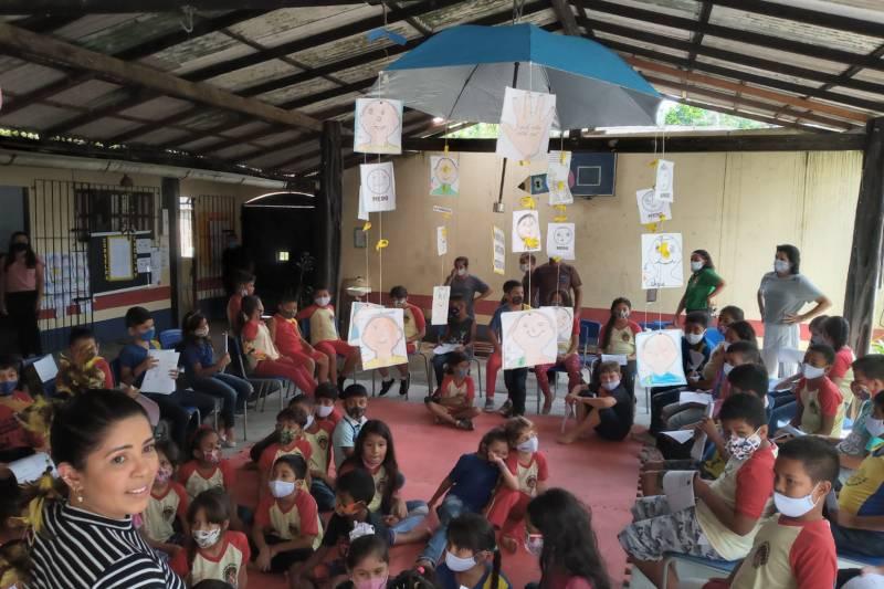 A programação na Escola Dra. Ester Mouta de Carvalho incluiu leitura dramatizada