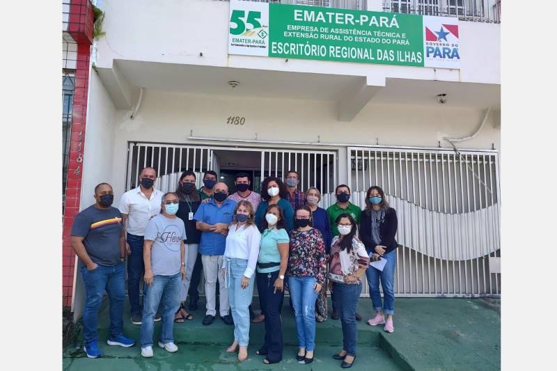 Equipe de profissionais do Escritório Regional das Ilhas, homenageada pela Emater no mês dos servidores públicos