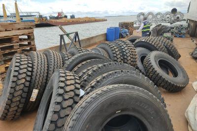 Quarenta pneus estão entre as mercadorias apreendidas