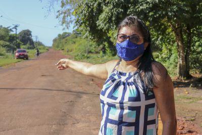 Valdirene Fernandes afirma que a pavimentação da estrada representa mudança de vida
