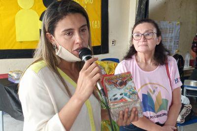A diretora Cristiane Daibes (e) e a coordenadora Sandra Batista