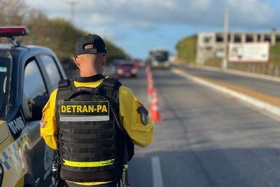 Agentes do Detran reforçaram a segurança nas estradas